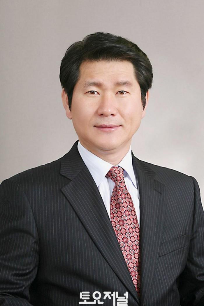 0522_강동구의회 양평호 의원, 「강동구 고령운전자 교통사고 예방에 관한 조례」 제정.jpg