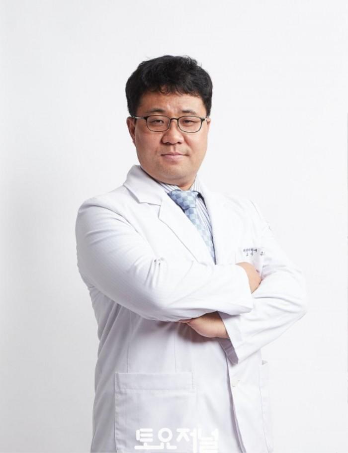 유승돈_재활의학과 교수.jpg