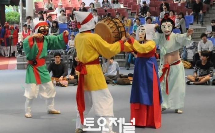송파산대놀이_서울놀이마당 공연1.jpg